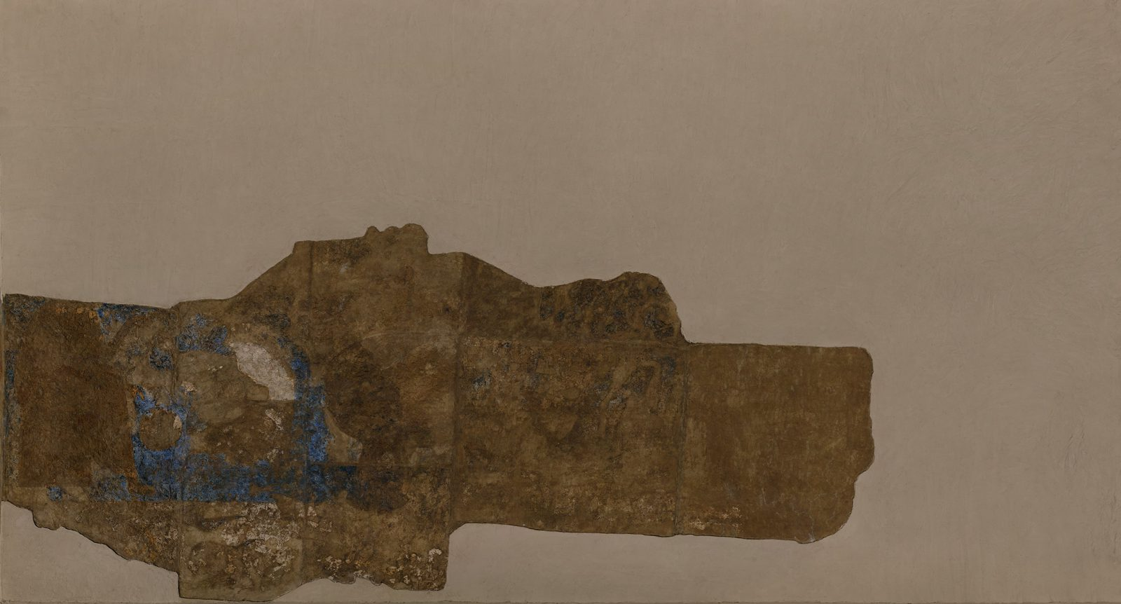 Today the paintings from the eastern wall are in two fragments. These figures, which appear to be part of a caravan, are on the northern portion of this wall.