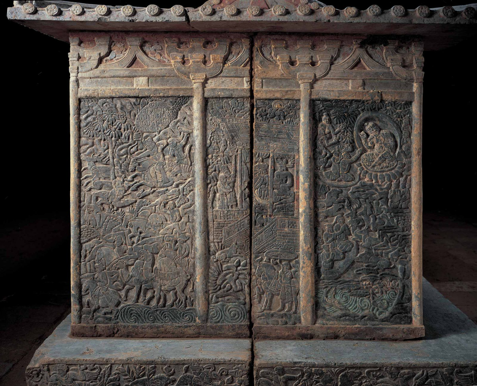 Carved frieze of scenes from heaven