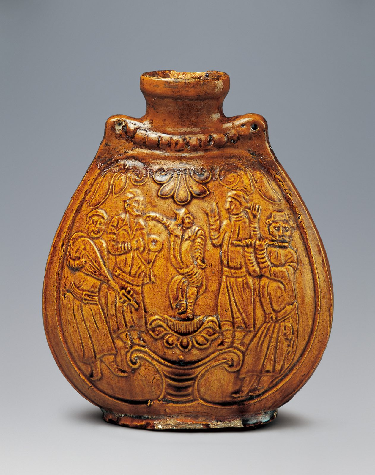 Musicians dance on the flask